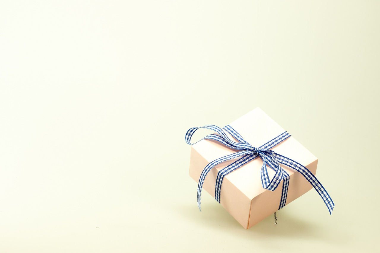 5 Bad Gifting Habits You Need To Drop In 2016